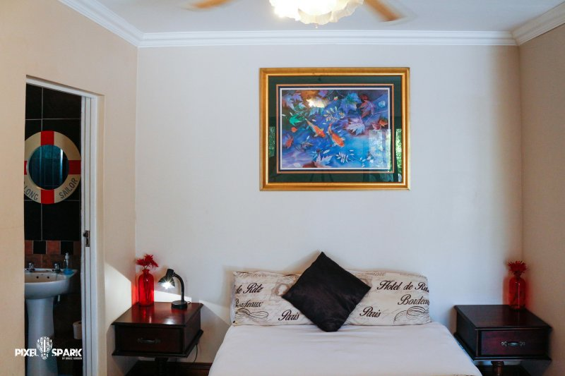 Tyday Accommodation, vacation rental in Clarendon Marine