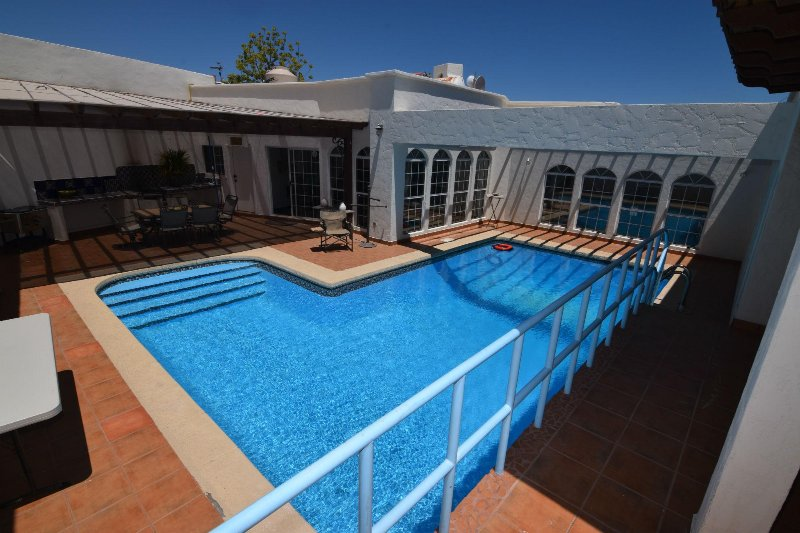 La Hacienda private pool and pool table Casa, vacation rental in San Felipe