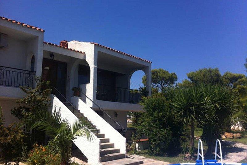 Rafina Country Villa in 3 Wohnungen Schlafen 16