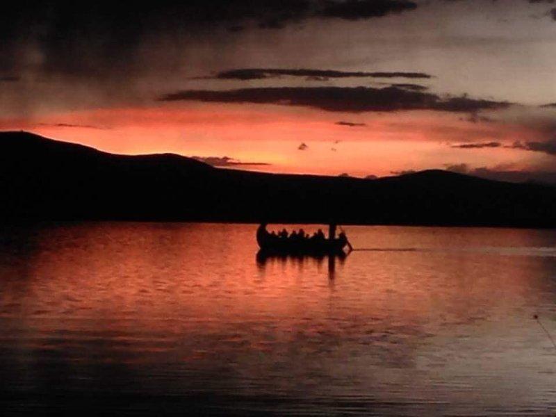 Uros Tikarani Lodge, vakantiewoning in Puno Region