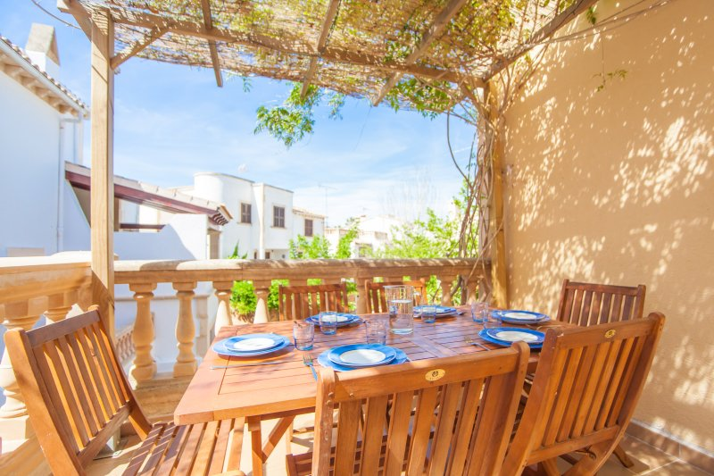 CAN CUSSÓ SANSÓ - Chalet for 5 people in Colònia De Sant Pere, holiday rental in Colonia de Sant Pere