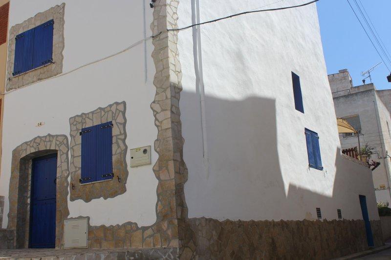 'Lo blavet d'Alcanar' Alquiler casa de pueblo en Alcanar, holiday rental in Alcanar