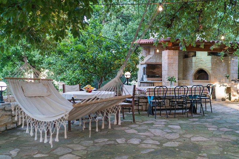 Oak Yard, holiday rental in Atsipopoulo
