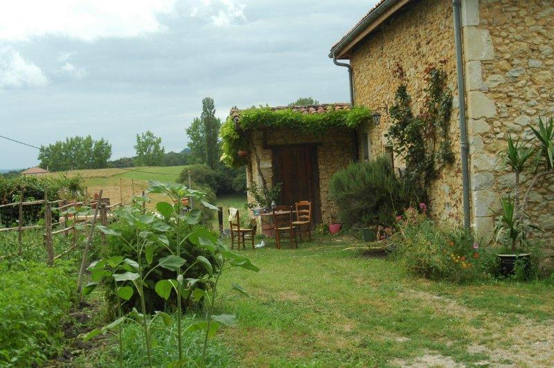 Gîte Tauzia maison de campagne, location de vacances à Amou