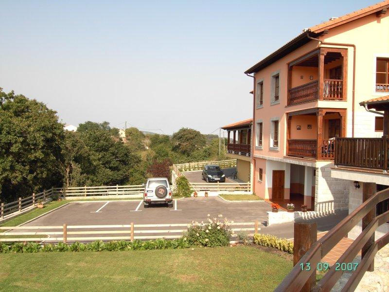 La Arboleda. Apto-Estudio, vacation rental in Buelna