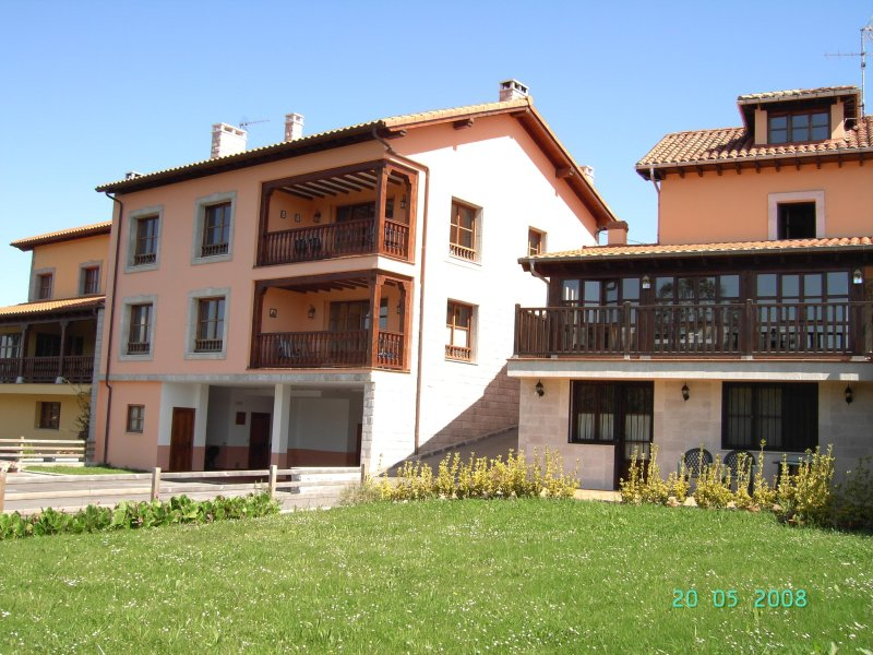 Finca La Arboleda, south facade