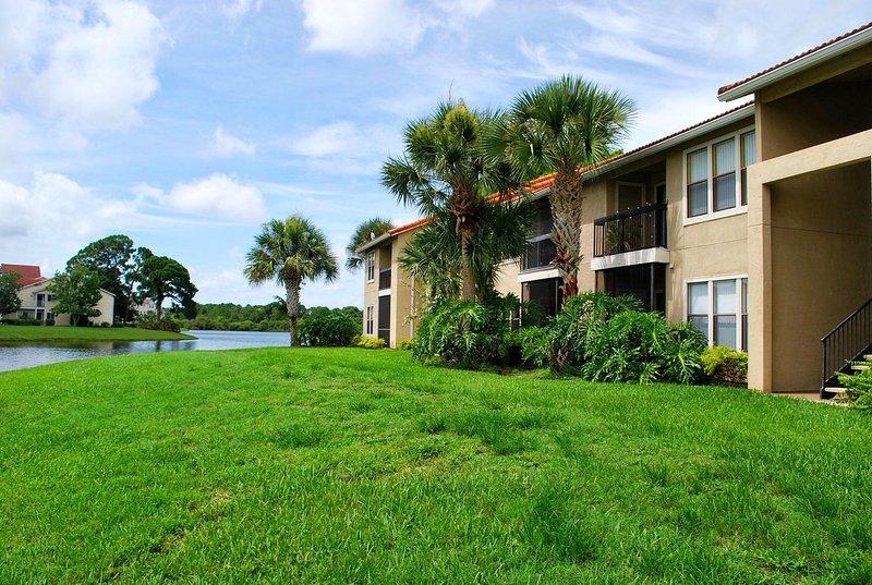Je terre authentique et condos étage à l'étage avec vue sur le lac ou le parc à louer.