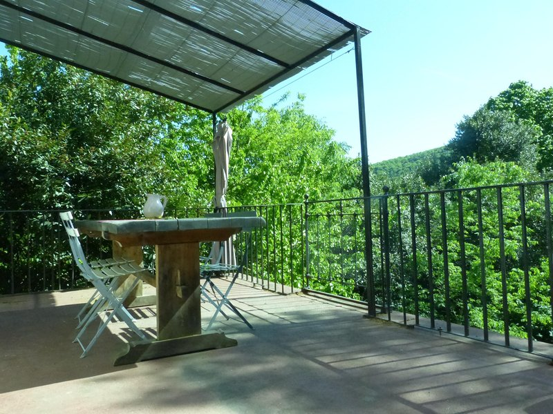 gite eden mimosa entre colline et riviere, holiday rental in Corbes