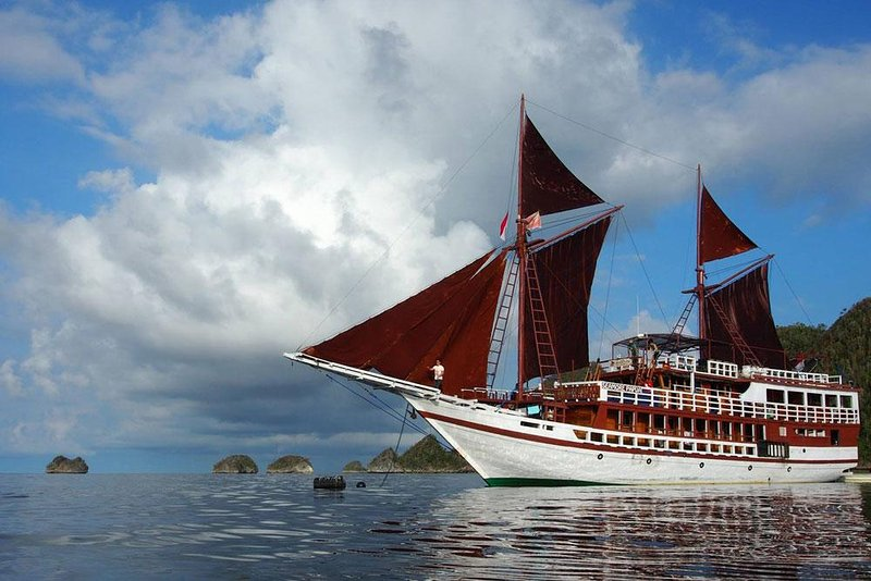 Seamore Papua Liveaboard - Raja Ampat, vacation rental in West Papua
