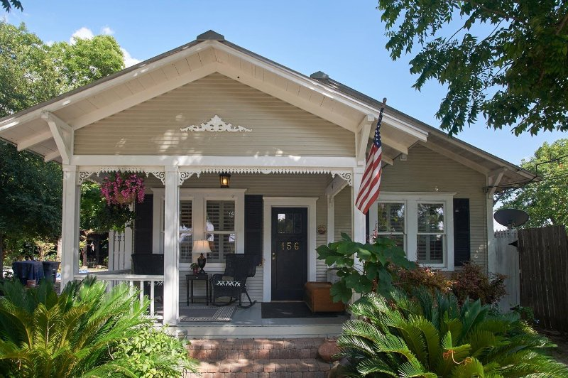 zink haus merlot villa luxury downtown new braunfels whole house rh tripadvisor com