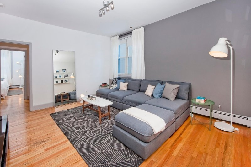 Massive 3 Bedroom/10 Bed, 10 Minutes to Manhattan!, holiday rental in Hoboken