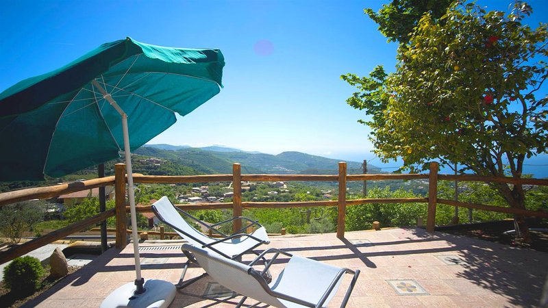 Chalet Del Sole, vacation rental in Vico Equense