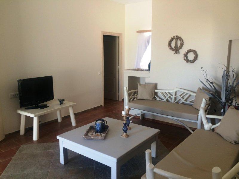 Kapeli House Collection Villa, Perivolos, location de vacances à Vlycha