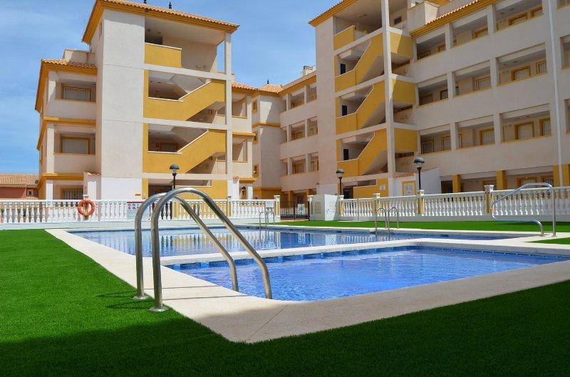Ribera Beach 2 - 1106, aluguéis de temporada em Islas Menores