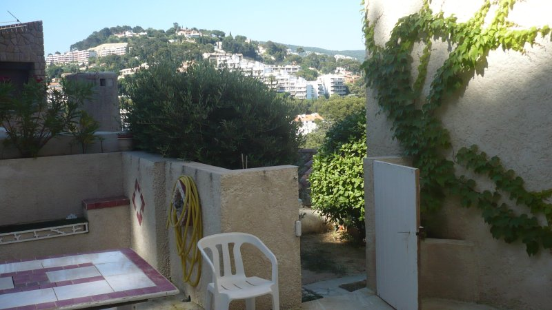 Garden access to the ground floor terrace apartment