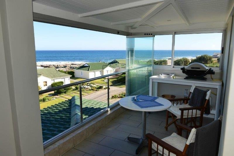Sea view enclosed patio w