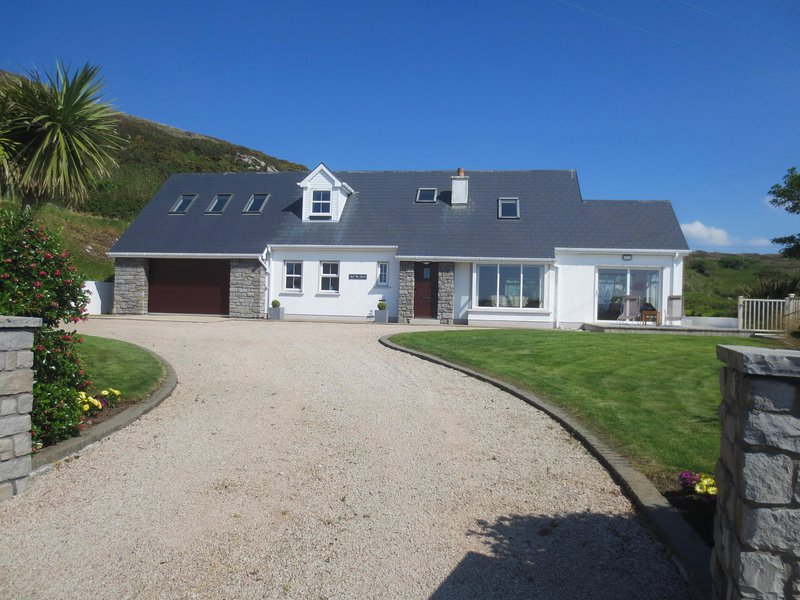 Ard Na Mara, Atlantic Drive, holiday rental in Crocknamurleog