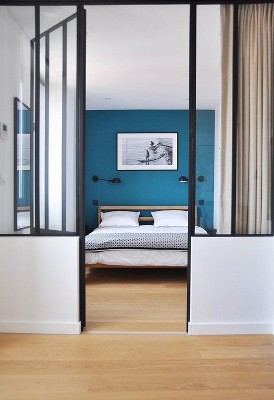 1st floor bedroom with private bathroom - bed 155 x 200 cm