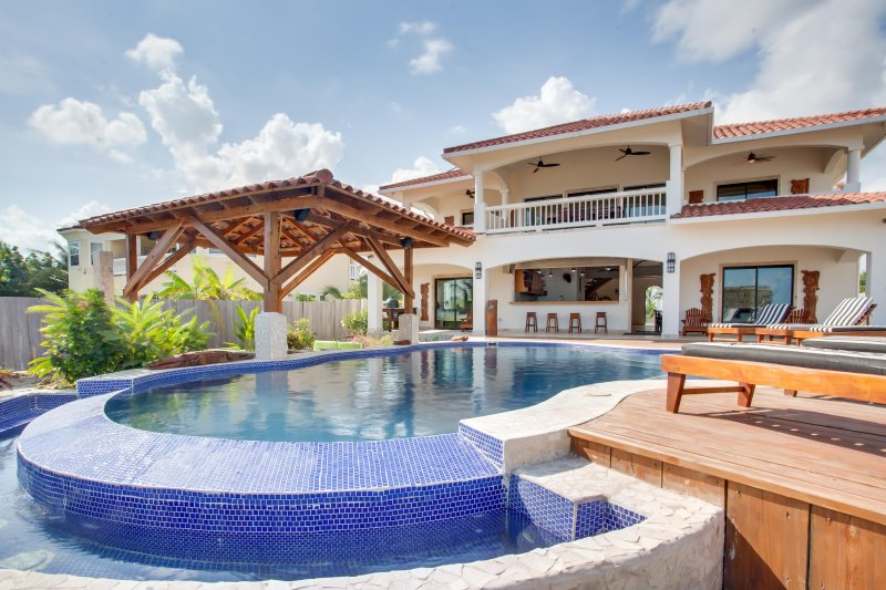 Villa Groovy Gecko - Placencia Belize, vacation rental in Placencia