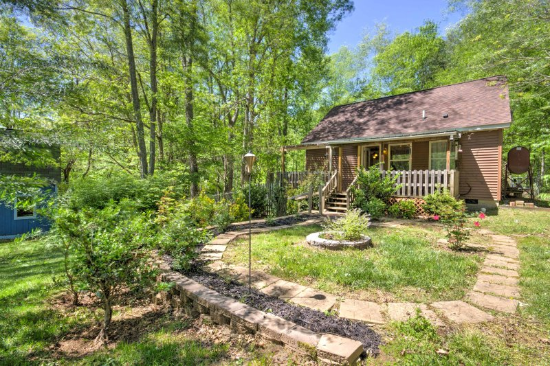 cozy barnardsville home w deck yard by asheville updated 2019 rh tripadvisor com