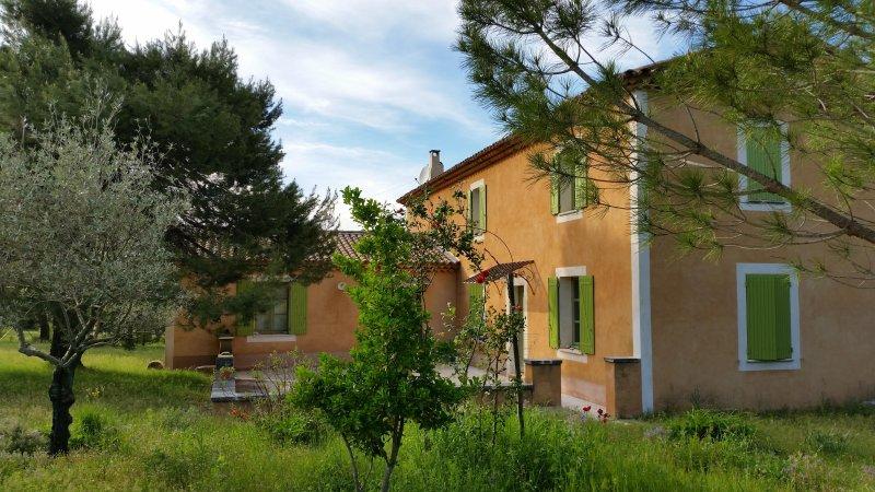 Lestudiolibre, holiday rental in Menerbes