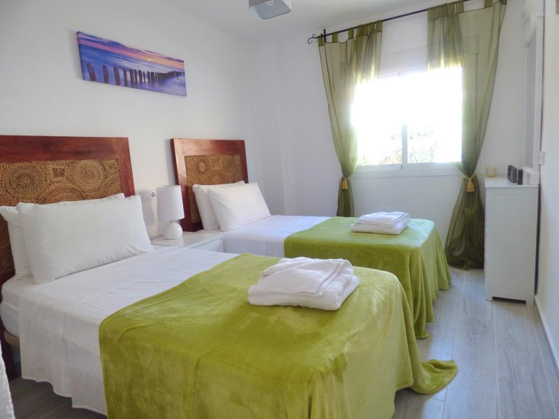 Carihuela Park Palace - 2 Bed Room Beach Apartment, vacation rental in Torremolinos