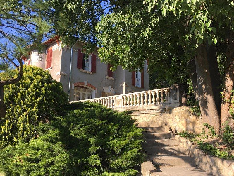 La Villa Désirée, vacation rental in Aramon