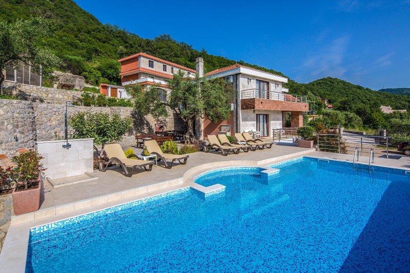 Luxury Villa Svinjista, alquiler de vacaciones en Municipio de Budva