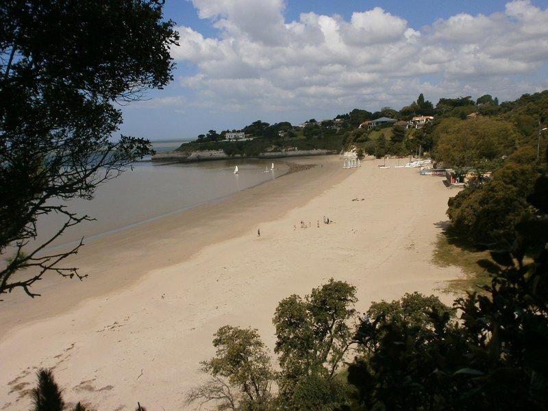 Sandy Beach, 5 minutes walk away