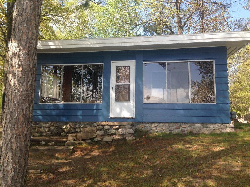 Long Lake-Cheboygan-Lakesend Cottage, holiday rental in Cheboygan County