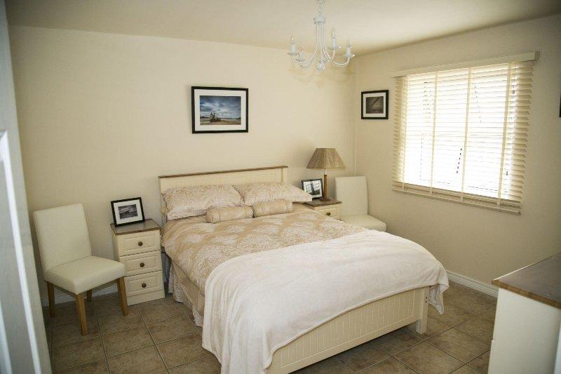 Bundoran Apartment - Marine Court Apartment (29), vacation rental in Ballyshannon