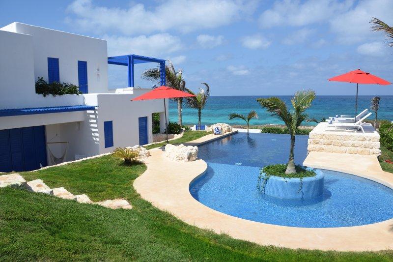 Oceanfront Villa!  Casa Yaax Juul Kin., holiday rental in Isla Mujeres