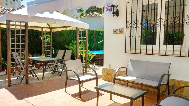 Family Beach Villa Rubens  - FREE WIFI 4G, holiday rental in Oliva