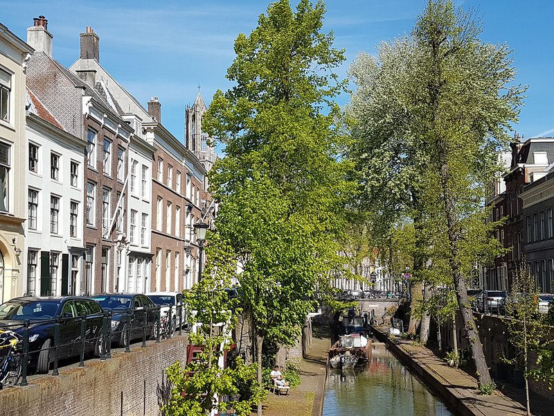 Large Historical Apartment & Canal Terrace, vacation rental in Loosdrecht