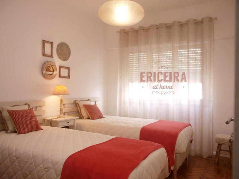 Quarto privado e duplo, com 2 camas individuais