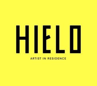 Questo aprile è anche uno spazio di studio per gli artisti creativi.