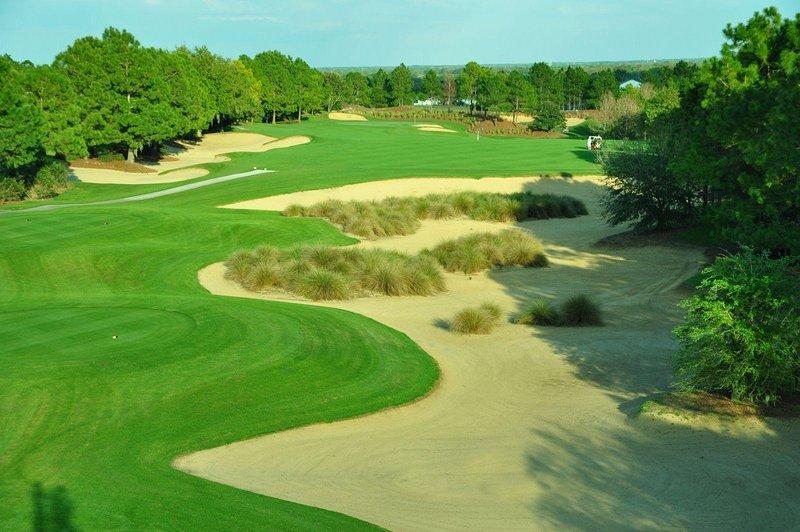 Disney/Southern Dunes1 Gated Golf Villa with pool on 16th fairway-7 Bed/4.5 Bath, alquiler vacacional en Lake Hamilton