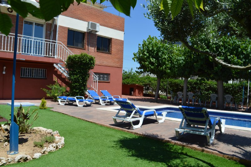 House With Swimming Pool Garden And Barbecue Updated 2019 Holiday Rental In Cubelles