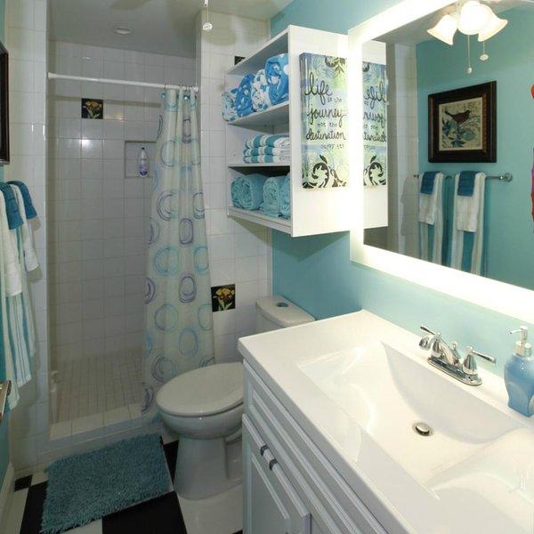 Muito espaço de armazenamento para todos os seus artigos de higiene!