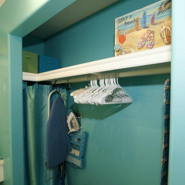Grande armário! Muito espaço para todos os seus pertences! Digital cofre, ferro + Board, Suporte de bagagem, Etc.