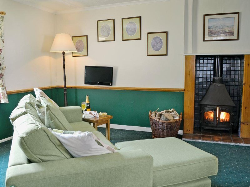 Cosy evenings by the log stove, on small complex with shared indoor heated pool open all year