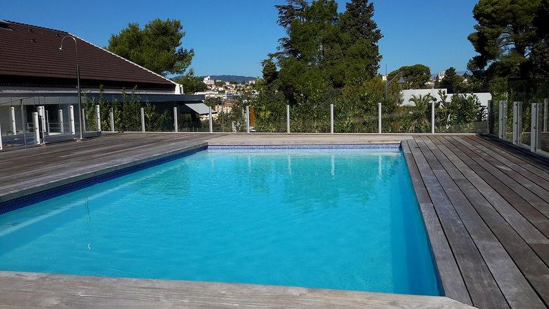 Disfrutar de un día de fiesta ideal en Cannes Montrose zona 2 en un lujoso y agradable habitaciones