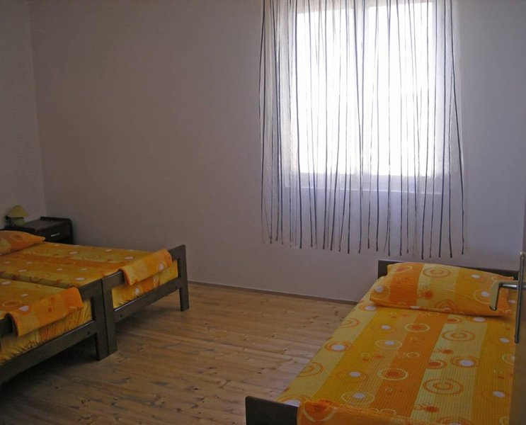 Novalja, 1W Bedroom Apartments3+1, vacation rental in Kustici