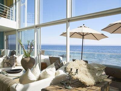 PENTHOUSE: FABULOUS LUXURY MALIBU RD.OCEANFRONT GREAT BEACH LG MASTER BDRM SUITE, holiday rental in Malibu