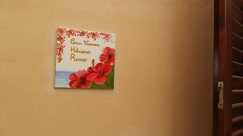 L' HIBISCUS ROSSO, vacation rental in Donnalucata