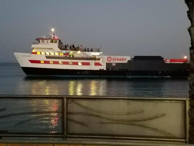 Ferryboat no porto Culebra.