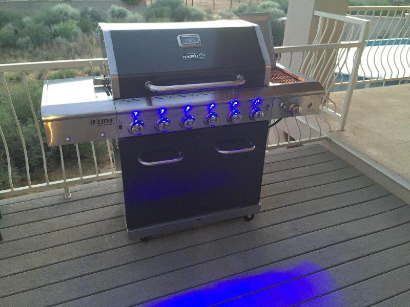 Notre barbecue à gaz est disponible pour vous d'utiliser.