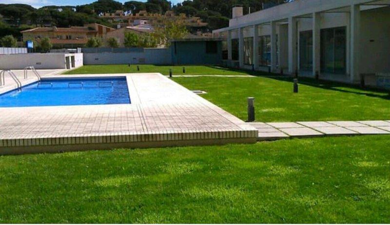 APARTAMENTO COMODO, MODERNO Y LUMINOSO EN ST. ANTONI DE CALONGE, vacation rental in Sant Antoni de Calonge