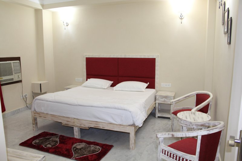 Distresse themed bedroom