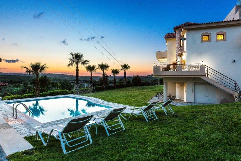 Villa Sevdas in endless horizon!, holiday rental in Melidoni
